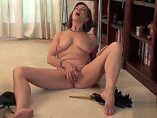 masturbation, hd, mature, solo female, straight,